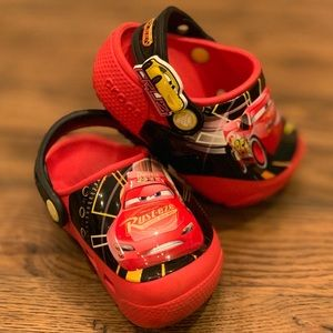 Cars Light Up Crocs in VGUC size 6 - Discontinued